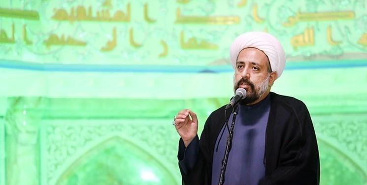 محمدزمانی: مداحی باید یزیدهای زمان را تقبیح کند/ بعد از انقلاب افقهای تازهای با شعر آئینی گشوده شد